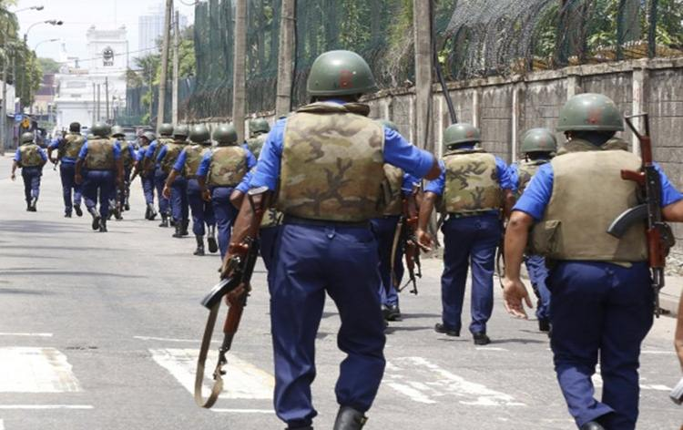 Sri Lankan security forces continue operations against fundamentalist groups