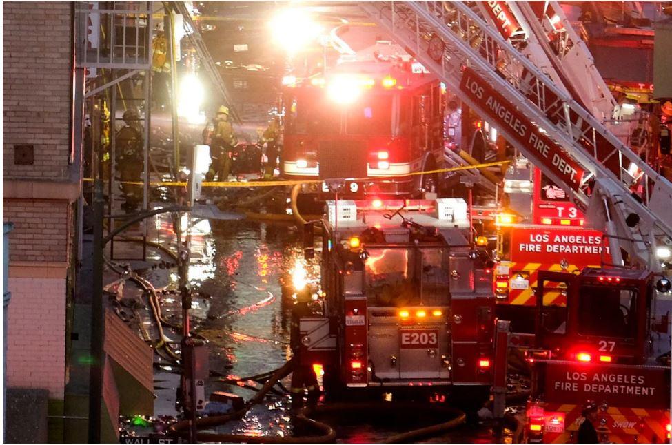 morethan10firefightersinjuredinlosangelesbuildingexplosion
