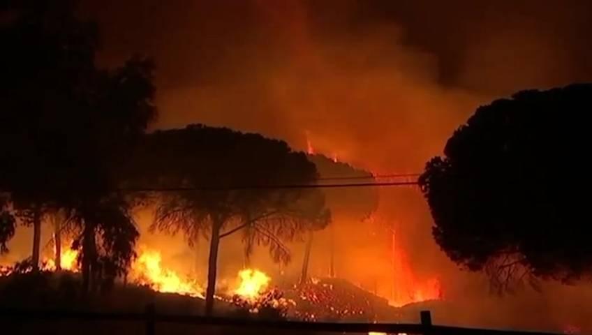 wildfireinsouthernspainforcespeopletofleetheirhomes