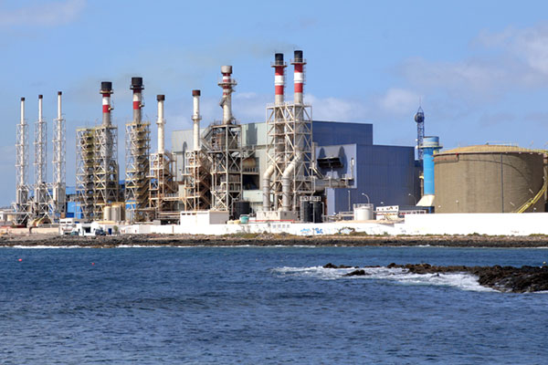 Acwa Power signs agreements for $700m Saudi IWP project