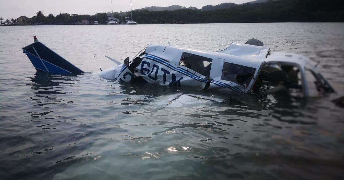 Honduras: Five killed after private aircraft crashes into sea