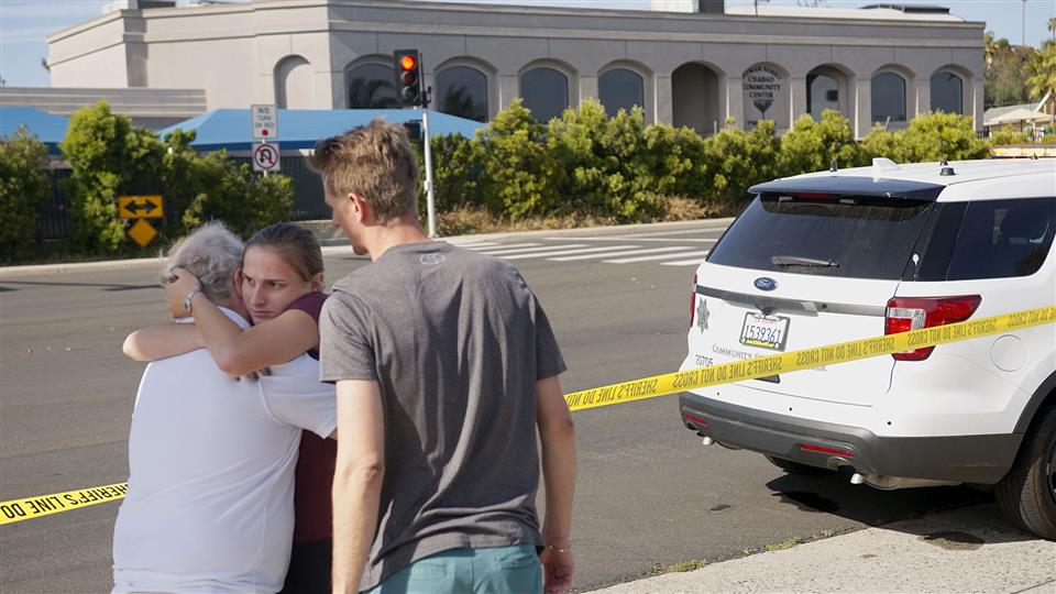 California synagogue shooting leaves one dead, three wounded