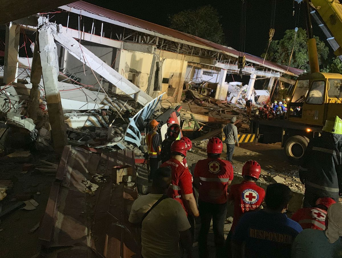 11 people killed in earthquake in Philippine