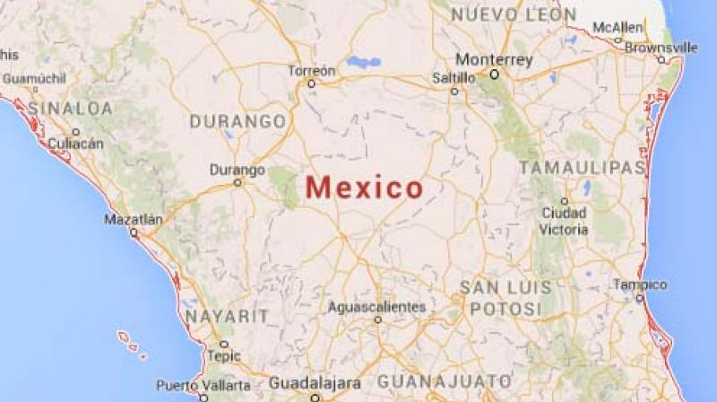 10 dead as  bus crashes on mountain road in Mexico