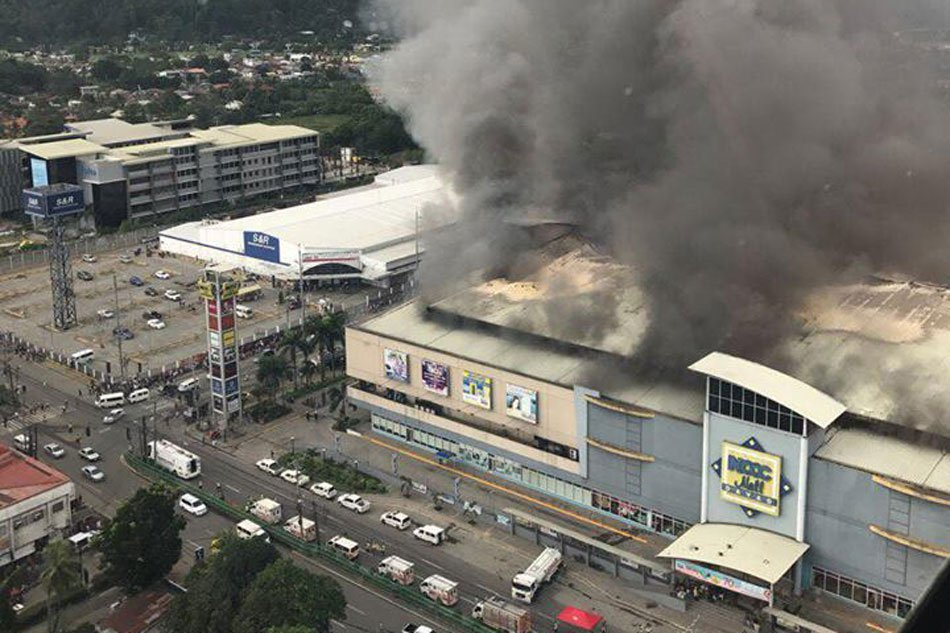 37 feared dead as fire engulfs shopping mall in Phillipines Davao city