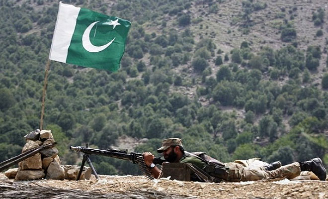 4 Pak Army personnel killed in clashes with militants