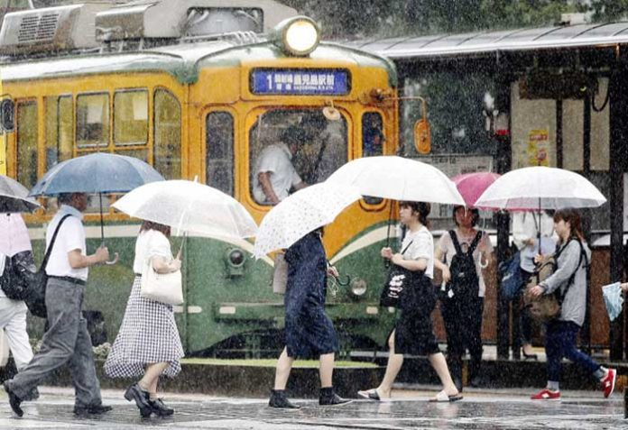8 lakh people ordered to evacuate in Japan due to heavy rain