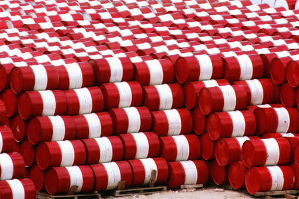 Oil glut grows as Saudi Arabia says worst is over