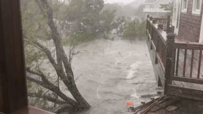 Hurricane Dorian: Hundreds of people trapped in North Carolina island