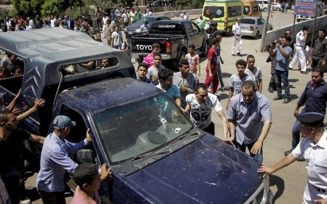 35 policemen killed during clashes with terrorists in Giza city