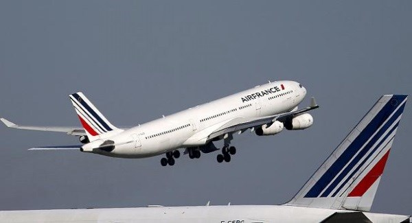 Air France diverted to Paris after threat