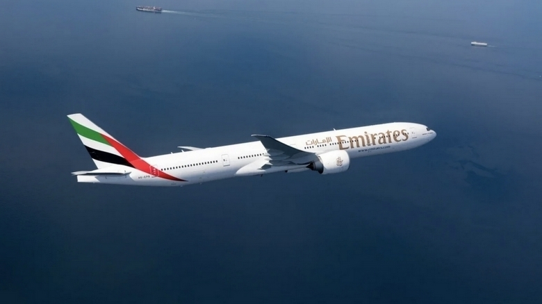 Emirates invites UAE residents on historic National Day flight