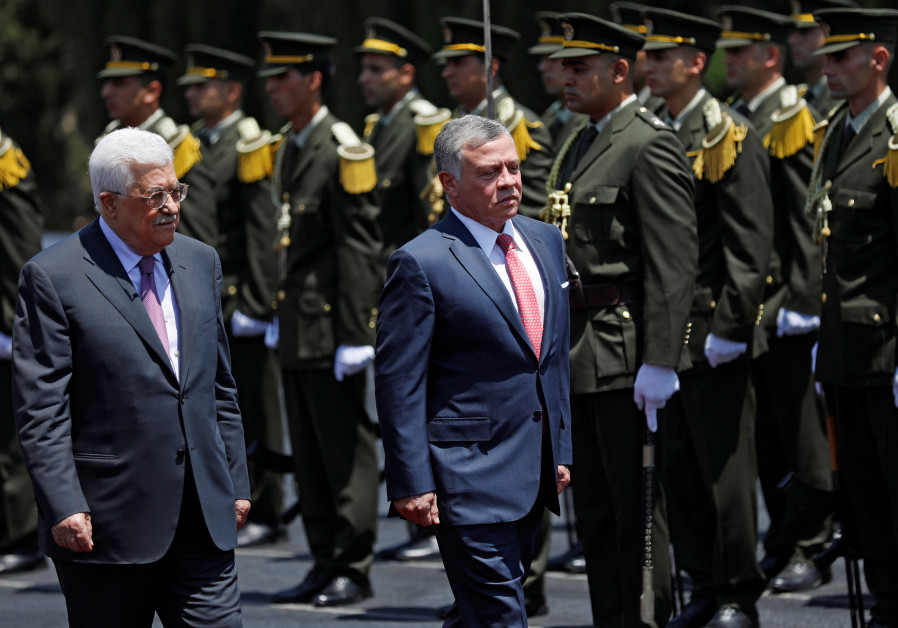 King of Jordan, visits Palestine, offers 'full support' for State