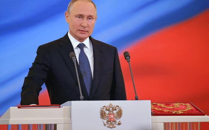 Putin hails