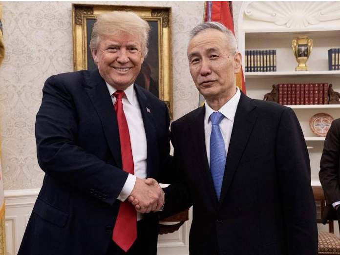 Trump meets Chinese Vice Premier, extends trade talks