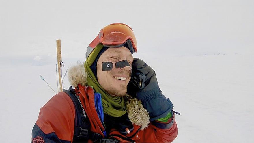 Man makes first solo trek across Antarctica