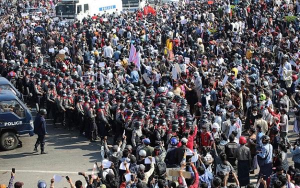 myanmarsuspends125lakhteachersforsupportingprotests