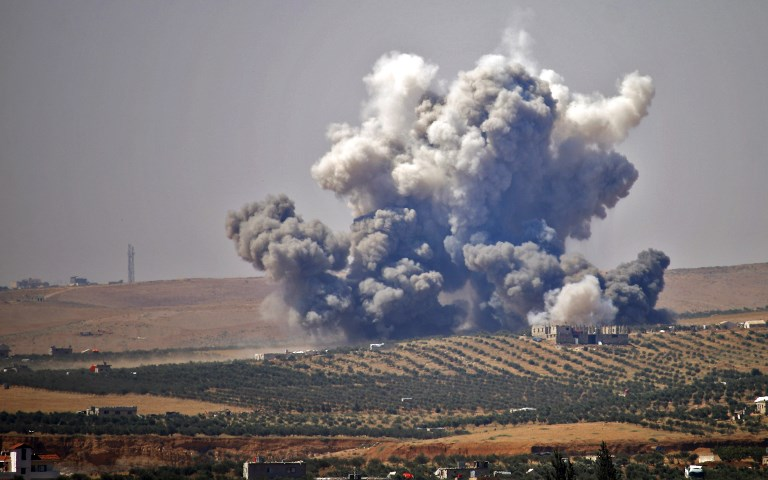 Russian air strikes batter Syria