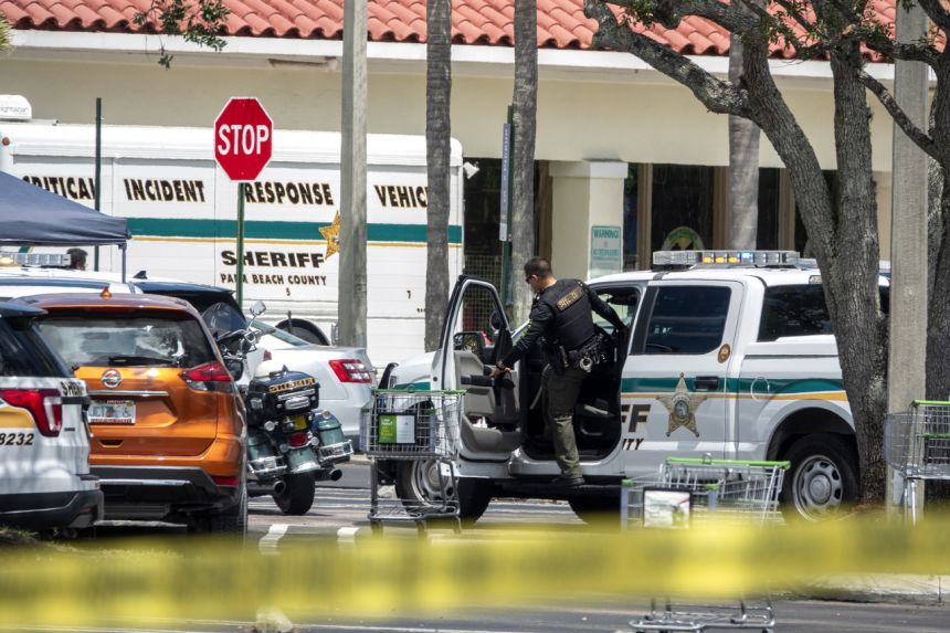 Three people killed in Florida grocery store shooting