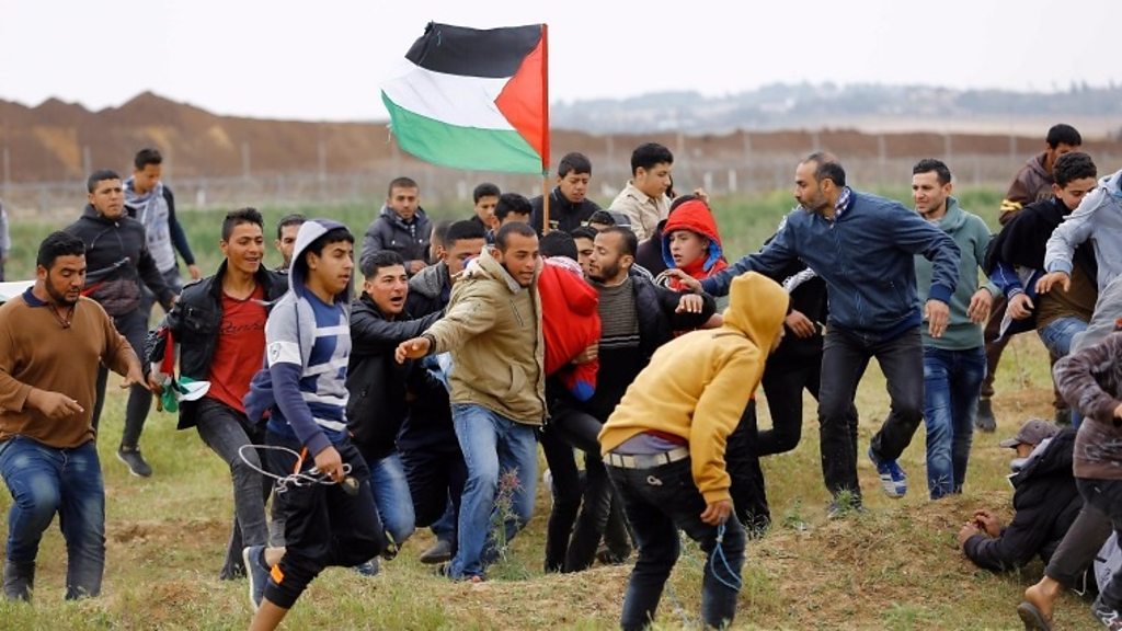 56 Palestinians injured during clashes with Israeli soldiers in eastern Gaza