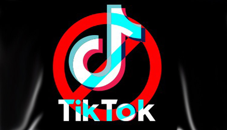 US bans Chinese apps Tik Tok and WeChat from tomorrow