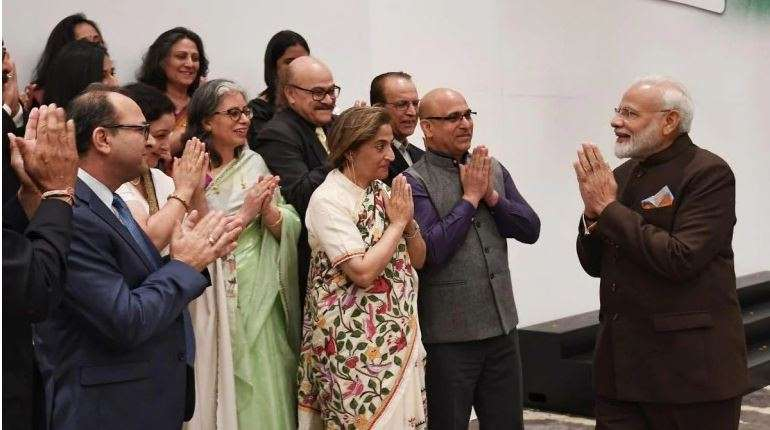 Kashmiri Pandits meet PM Modi in Houston, say 7 lakh Pandits thank Modi govt