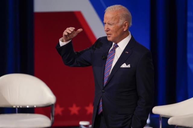 Biden hosting budget talks in Delaware with Schumer, Manchin