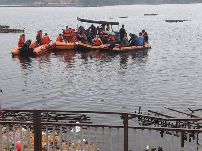 11 dead after a boat capsizes during Ganesh immersion in Bhopal