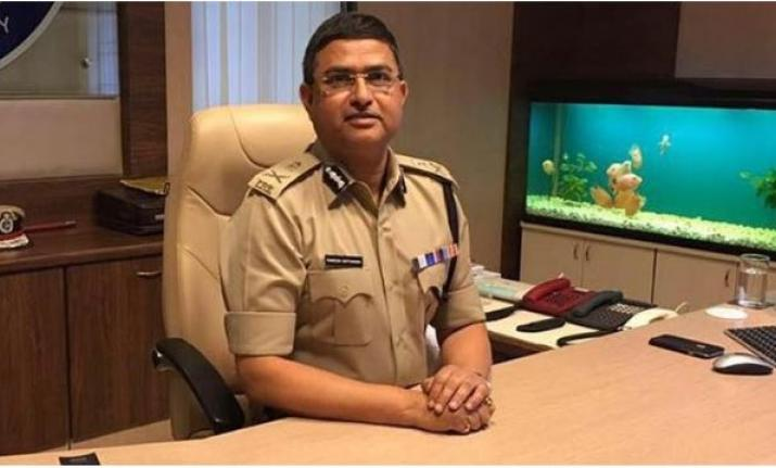 No action can be taken against CBI Special Director Rakesh Asthana till Monday, says Delhi HC