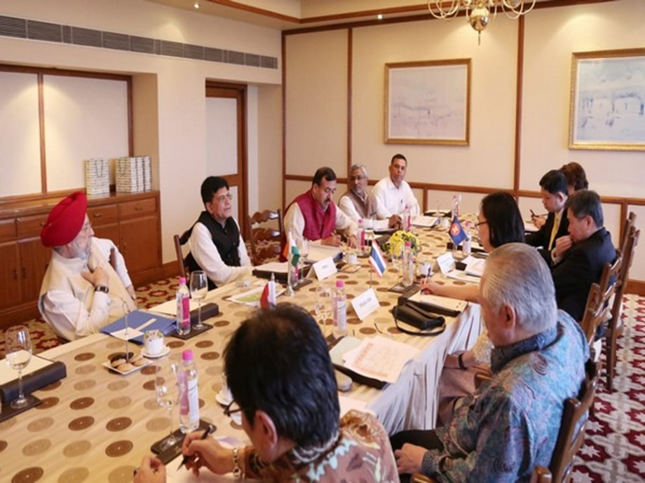 Commerce Minister Piyush Goyal holds bilateral meeting with Indonesian Minister of Trade Enggartiasto Lukita