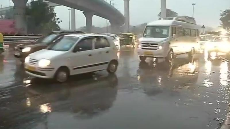 Heavy rain lash Delhi, traffic jam during rush hour