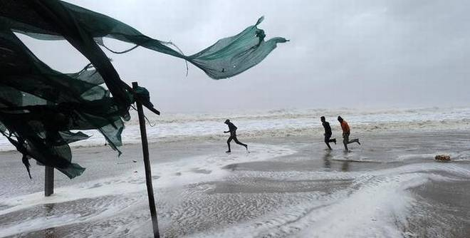 Cyclone Vayu weakens, crosses Kutch coast in Gujarat
