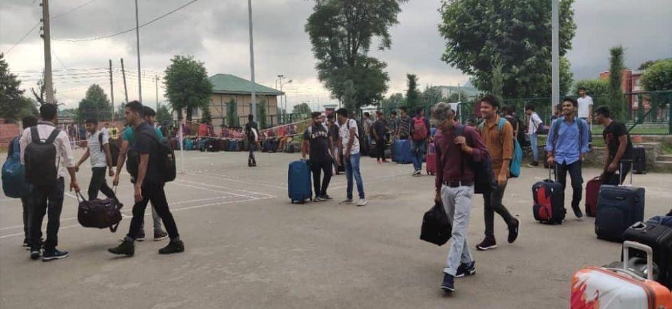 Kashmir: Govt asks yatris, tourists to leave Valley