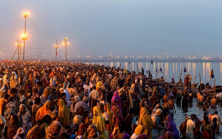 UP CM Yogi Adityanath express gratitude to devotees for successful passage of opening day of Kumbh
