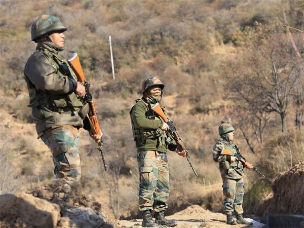 4 terrorists arrested near LoC in Baramulla district