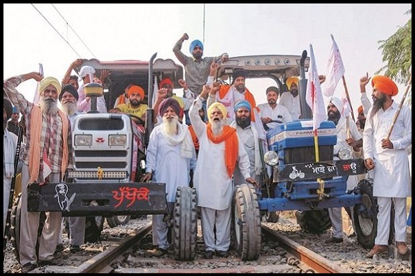 agitatingpunjabfarmersagreetoallowpassengertrainsfrommonday