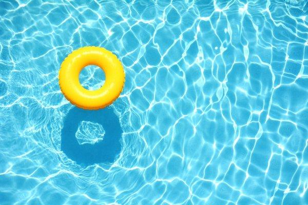 poolpartyduringlockdown:61arrestedforviolatingcovidlockdownnormsatnoidafarmhouse