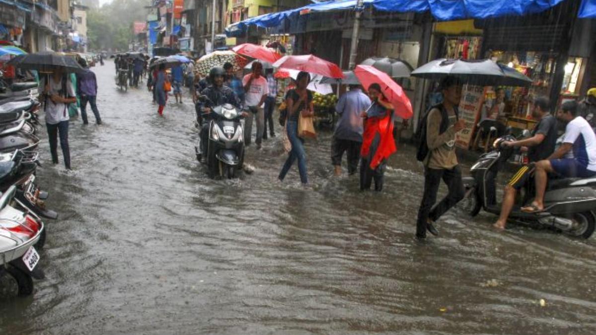 Heavy rains continue to lash Nashik district; two killed