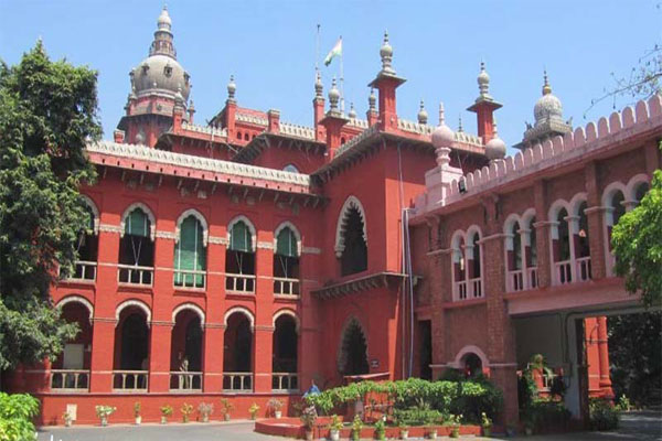 Madras High Court Orders 5lakh Ex gratia after techie lost life due to Illegal Hoarding