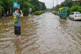 Heavy rains cause waterlogging in Delhi