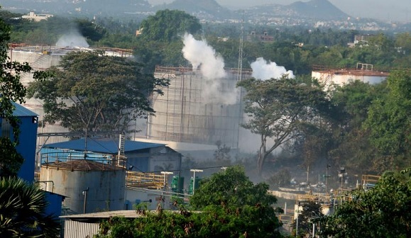 Vizag Gas Leak: CEO and 2 Directors of LG Polymers among 12 Arrested; Pollution Board Suspends 3 Officials