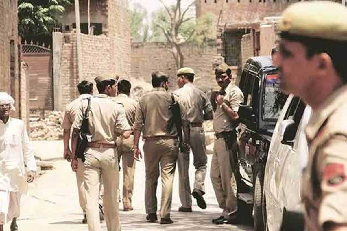 Eight policemen killed in encounter with criminals in Kanpur, UP