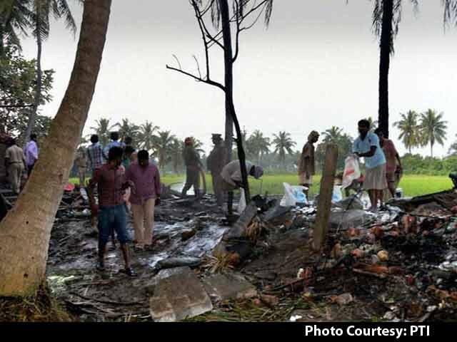 5 killed in an explosion at an illegal cracker factory in Bihar