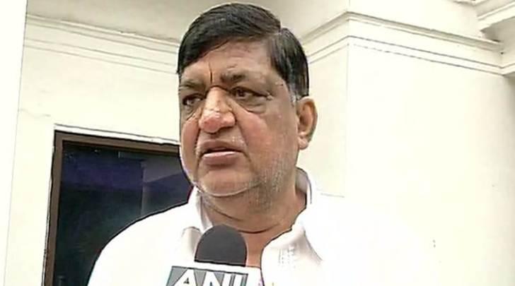Senior SP leader Naresh Agarwal, son Nitin Agarwal  join BJP