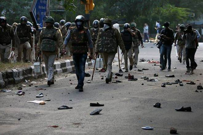 CAA Protests: Constable killed as fresh clashes erupt between opposing groups in North East Delhi