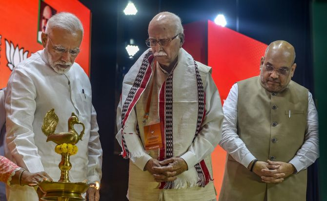 Modi, Shah meet Advani, Joshi