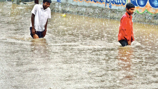 Heavy rain lashes Telangana State