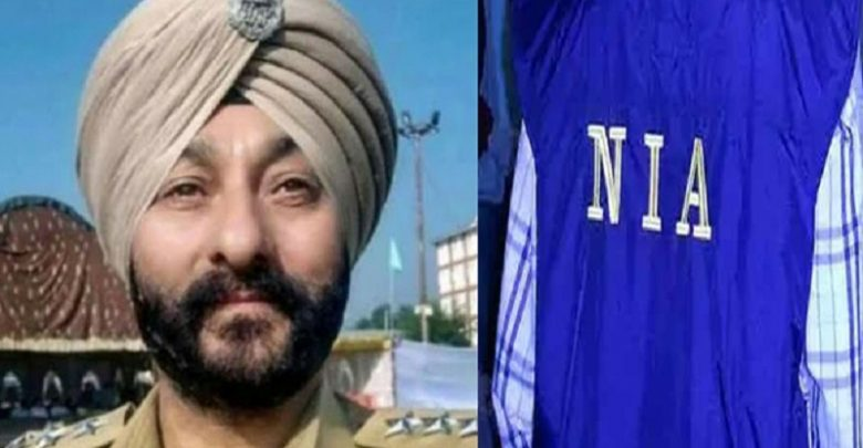 Suspended J&K DSP Davinder Singh remanded to 15 day NIA custody
