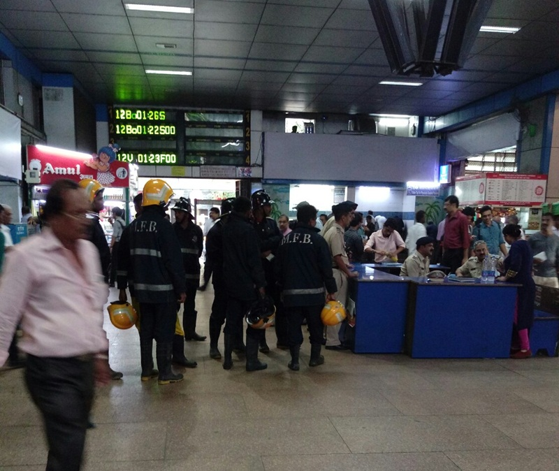 bombscareatmumbaischurchgatestationsearchesconducted