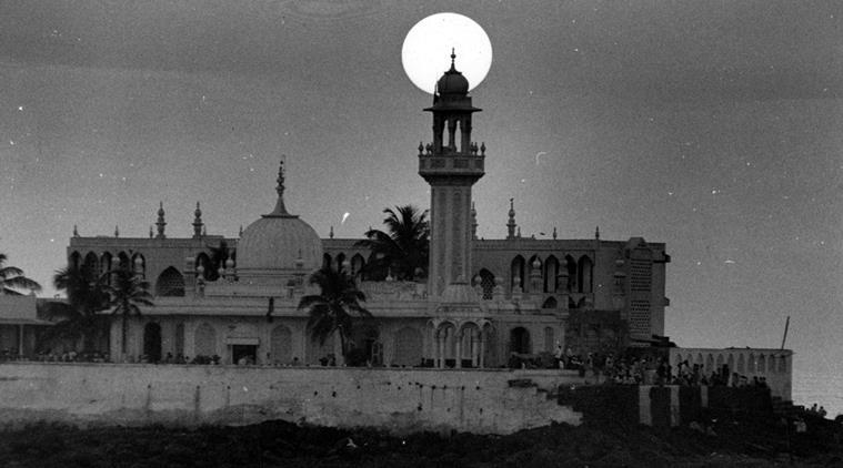 Mumbai's Haji Ali Dargah Trust to SC: Ready to give women access to sanctum sanctorum